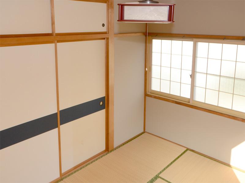 2F・和室 押入収納多し。